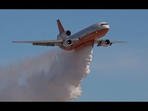 Spectacular firefighting demo by air tanker DC-10