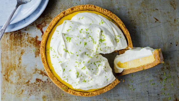 Key lime pie er frisk og søt på samme tid. En garantert suksess på kakebordet. Bruk en kakeform på 20-22cm.