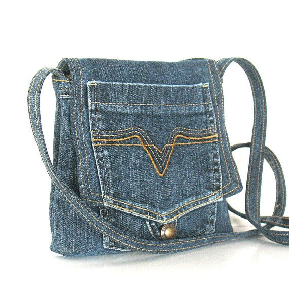 Small recycled messenger bag Eco friendlyvegancottonblue por Sisoi, $37.00                                                                                                                                                                                 Más