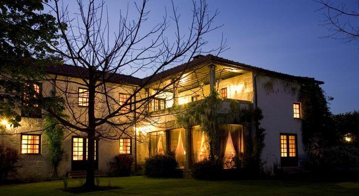 Os melhores hotéis de Portugal visitados por jornalistas de viagens, que dormiram em tudo o que é pousada, apartamento, turismo rural e hotel em Portugal.