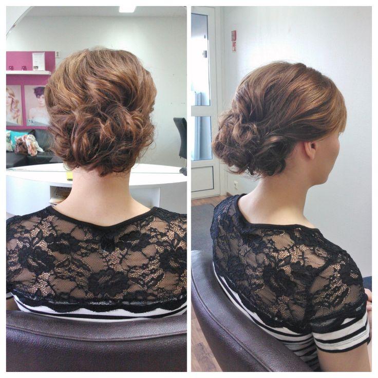 Curly bun for middle lenght hair. Hairdo by Emmi/Parturi-kampaamo Salon Maria Seinäjoki