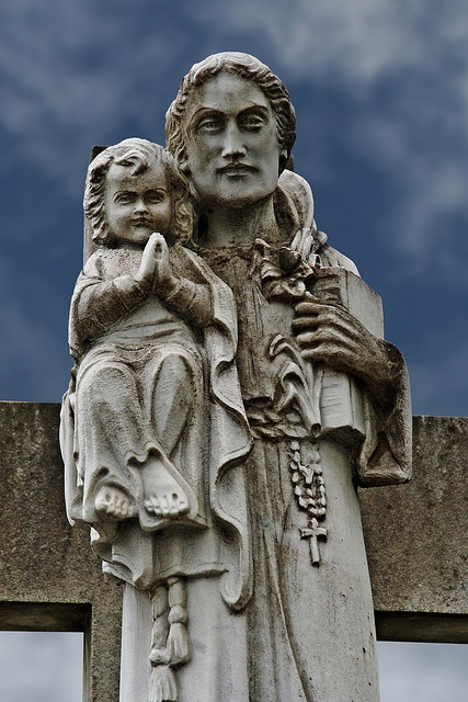 Saint Anthony or Saint Joseph? by Leo Reynolds, via Flickr