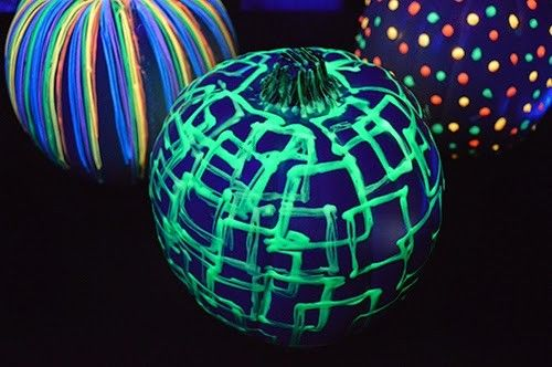 DIY-Glow In The Dark Pumpkins-Homesthetics (3)