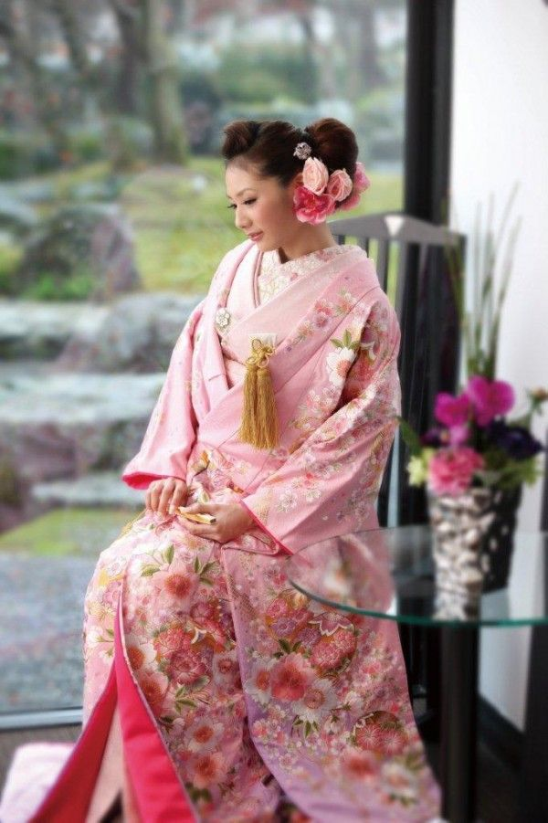 380 best Japanese kimono images on Pinterest | Geishas, Japanese ...