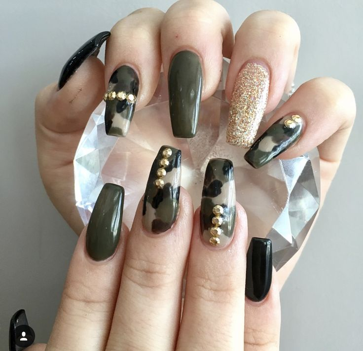 Camo acrylic coffin nails