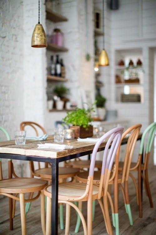 Stühle mit Pasteldip |Esszimmer einrichten | Esszimmertisch | Stühle | Ideen | Interior | Furniture | Dining Room