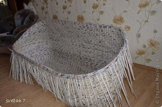 Поделка изделие Плетение Рабочие моменты Диван и кресла Бумага газетная фото 15
