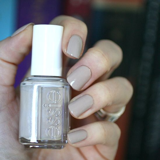 For the longest time, I would not buy this polish because I didn't get the appeal of it. A nude fleshy colour with a sandy grey underton...