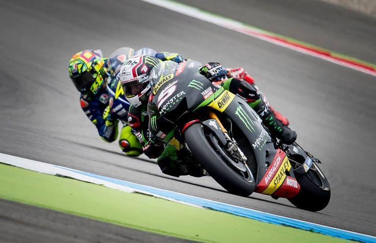 MotoGP Novinec Johann Zarco se je znova znašel na udaru Valentina Rossija. svet-hitrosti.com/rossi-zarco-je…