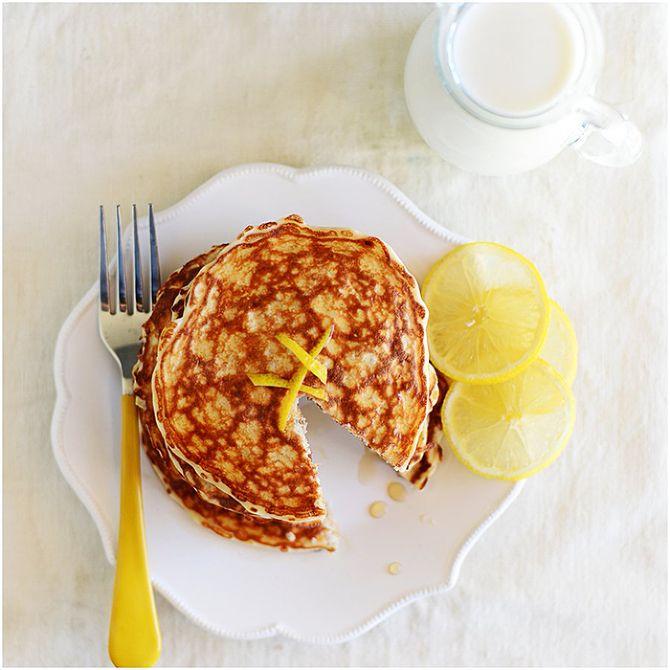 Lemon Chia Seeds Protein Pancakes | 290 calories per serving by Fit, fun & delish!