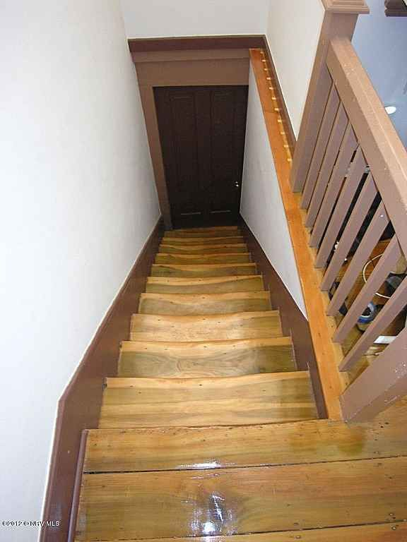 Best Servants Stairs See How They Bend In The Centers From 400 x 300