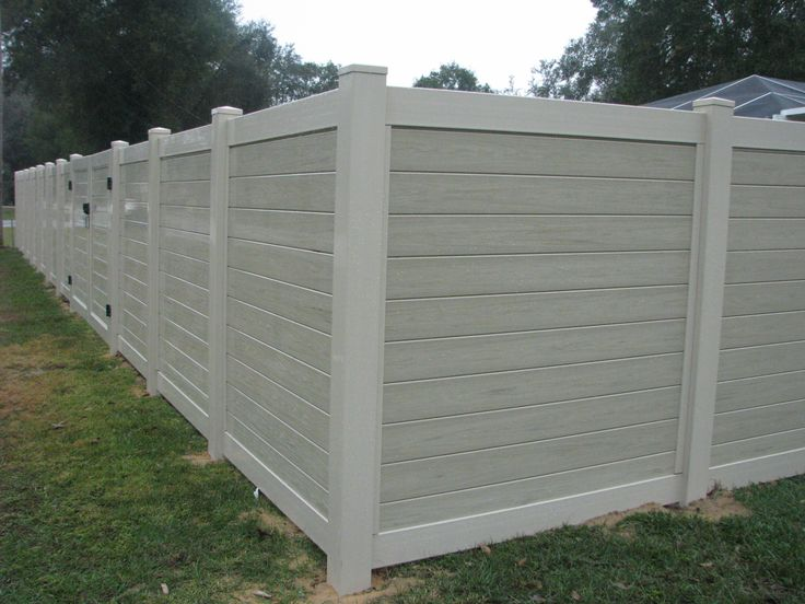 Custom PVC Two-tone Privacy Fence With Gate Design By