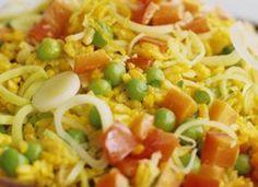 Arroz de Açafrão com Legumes - http://www.receitasja.com/arroz-de-acafrao-com-legumes/