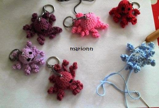 marionn tűdolgai: Így készítettünk ajándékot a gyerekeknek - színes amigurumi polipok