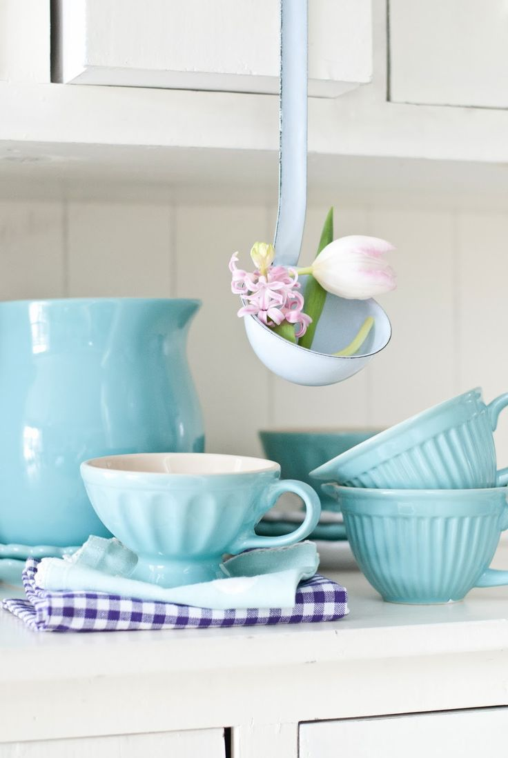 Brighten up your kitchen with some delicate and colorful dishware!