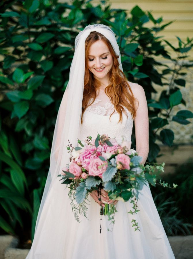 Classic bride: http://www.stylemepretty.com/louisiana-weddings/new-orleans/2016/09/06/vintage-style-new-orleans-wedding/ Photography: Greer Gattuso - http://www.greergphotography.com/
