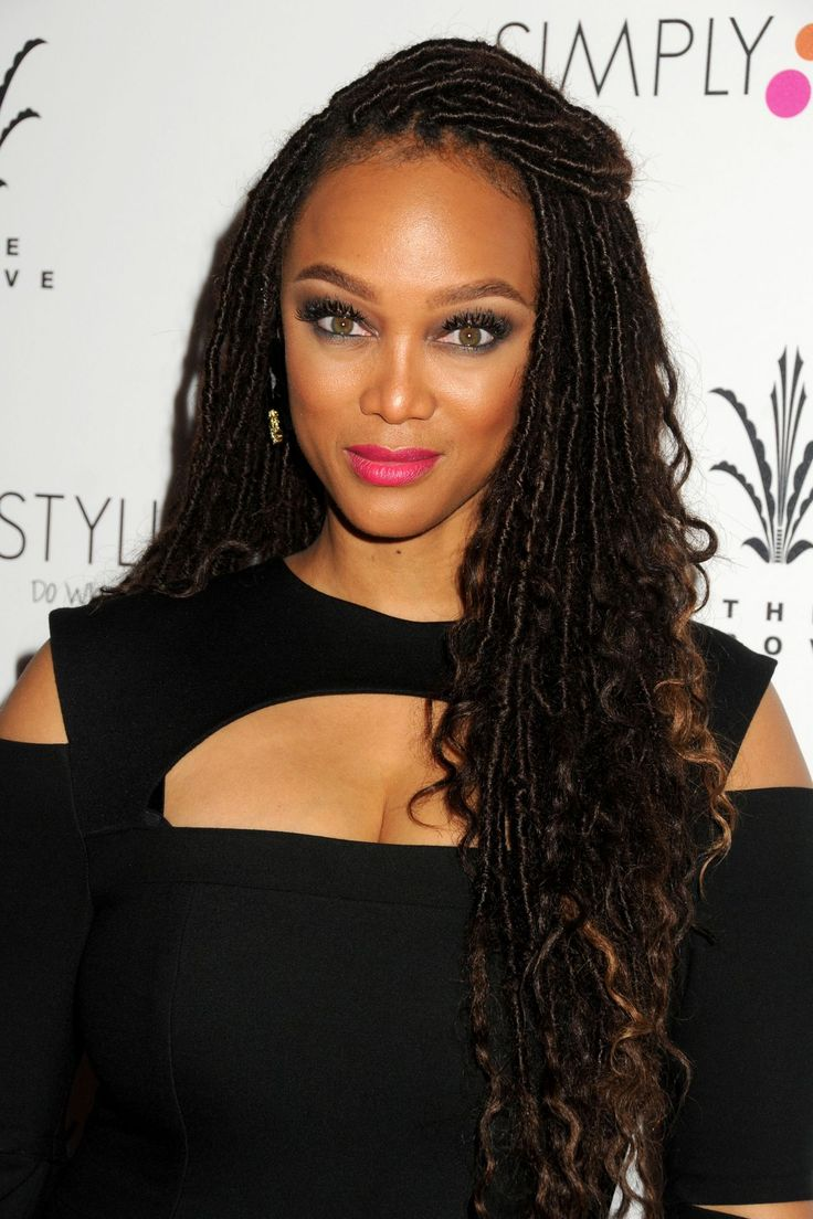 Tyra Banks in faux locs with wavy ends (2016)