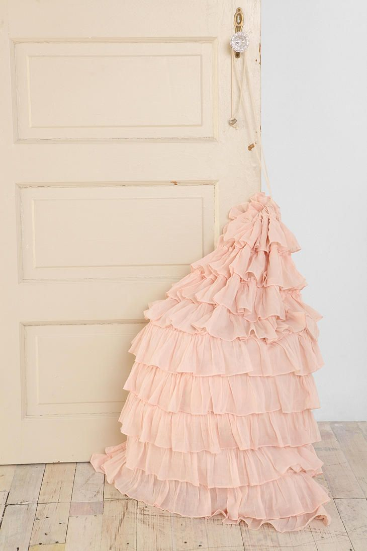 Love this laundry, feminine & cute & stands out in a room in only good ways! Ruffled Laundry Bag  #UrbanOutfitters: Urbanoutfitters, Decor, Urban Outfitters, Dorm Room, Laundry Bags, Ruffle Laundry, Ruffled Laundry, Ruffles