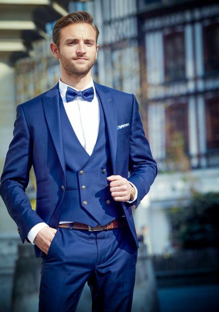 costume 3 pièces homme, costume nœud papillon avec gilet, ceinture marron,  pantalon droit, mouchoir de poche en couleur blanche a08bba775bc