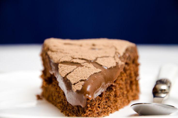 """Dia de """"Segundas-feiras Doces"""" com o Café da Manhã, na RFM , hoje trago uma receita de um bolo brigadeiro delicioso. Aviso já que ..."""