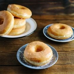 {recipe} Foolproof brioche donuts with just 15 minutes of prep a day. Light, fluffy, delicious, and topped with honey glaze.