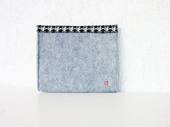 Skull clutch grey clutch hand sewn items felt by AlfaHandmade