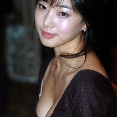 Kim Sa-Rang 김사랑