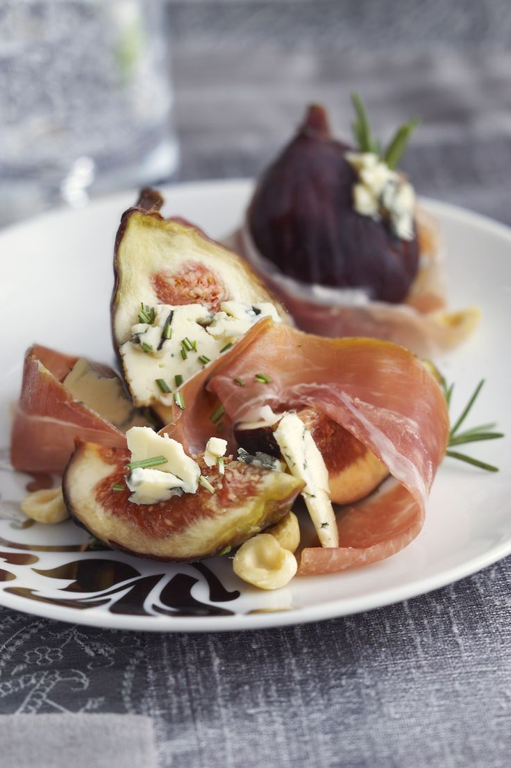Prosciutto Wrapped Gorgonzola Stuffed Figs Recipe — Dishmaps