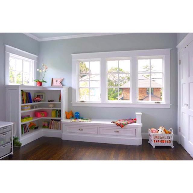 Neutral Bedroom for Kid/Toddler