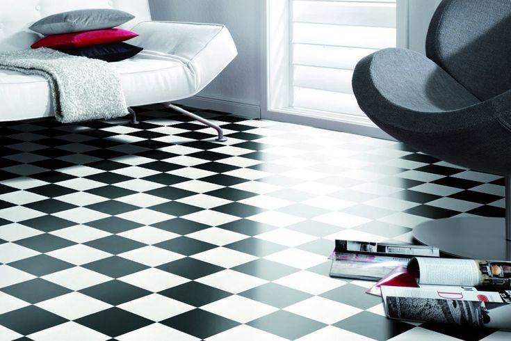 Gulvbelegg til baderom i sjakkmønster. Hvit og sort design. Meget slitesterkt med pur overflate på gulv. Gulvbelegg til bad, kontor etc.