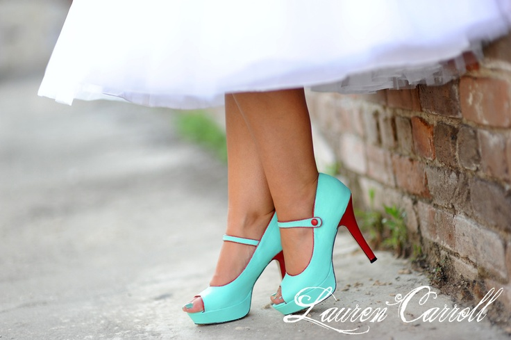 mint & red... LOVE these colors together