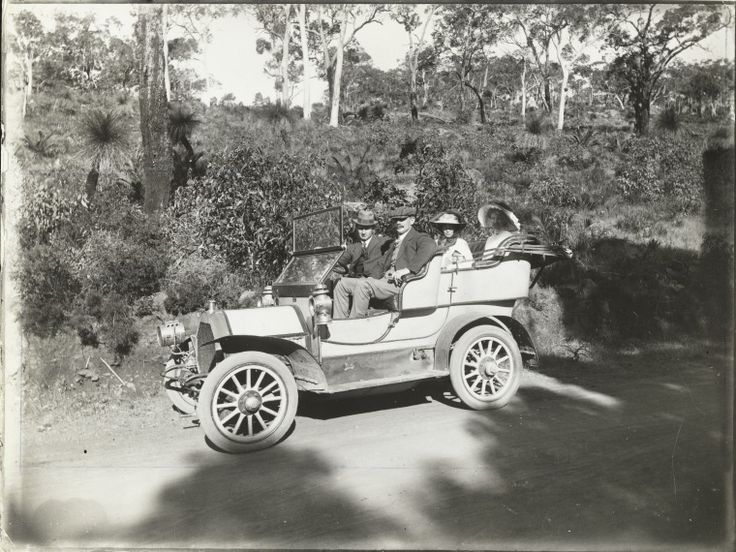BA1271/389: On the road to Kalamunda, 1914 http://encore.slwa.wa.gov.au/iii/encore/record/C__Rb2117087?lang=eng