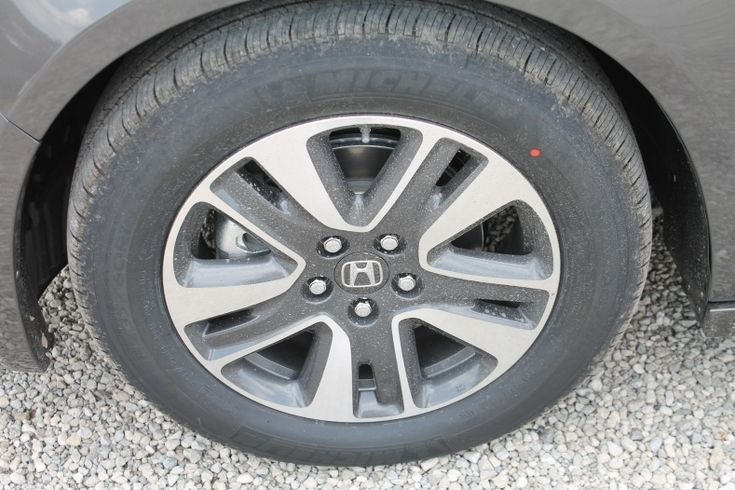 2013 Honda Odyssey Tire Size