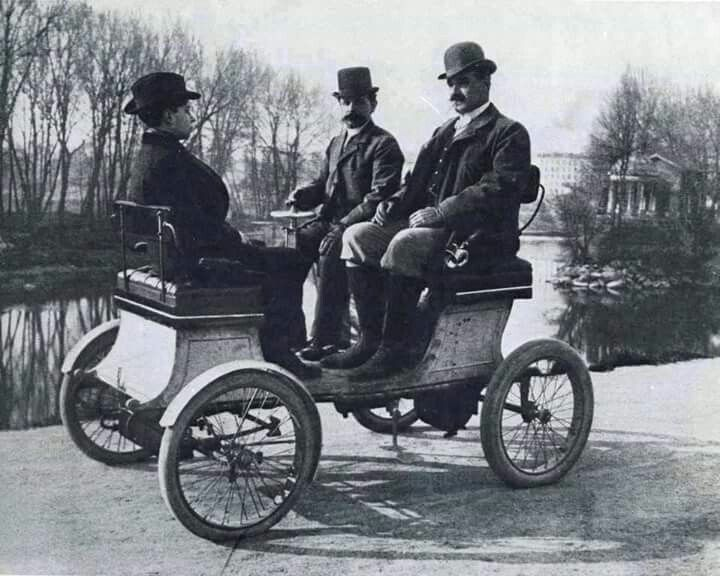 Vehiculo de lugo en 1900