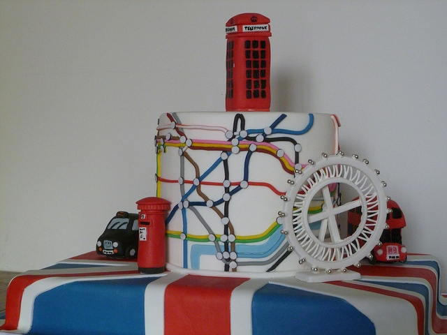 Que rico, no me atrevería a comer este pastel.