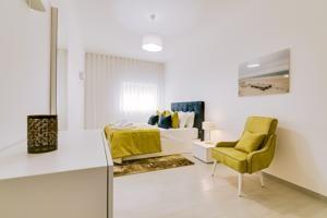 Localizados na charmosa cidade de Olhão, na região do Algarve, a poucos minutos a pé das margens da Ria Formosa e do mercado da cidade, os Apartamentos Sol...