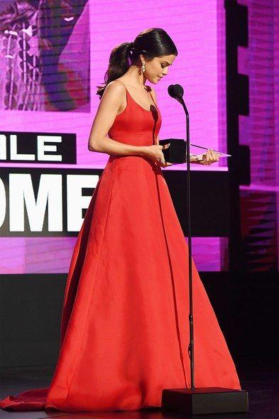 red prada gown - american music awards nov. 2016