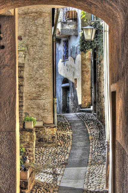 MEDIEVAL LITTLE STREET - SOUTHERN SWITZERLAND by elvetino and dide