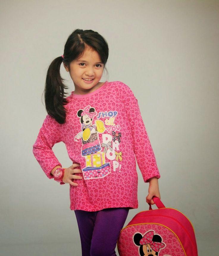 Foto-foto pemotretan Amanina Afiqah (Afiqah) untuk katalog back to school dari Sopie Paris. Cek : http://fotoimut.blogspot.com/2014/05/pemotretan-afiqah-2014.html