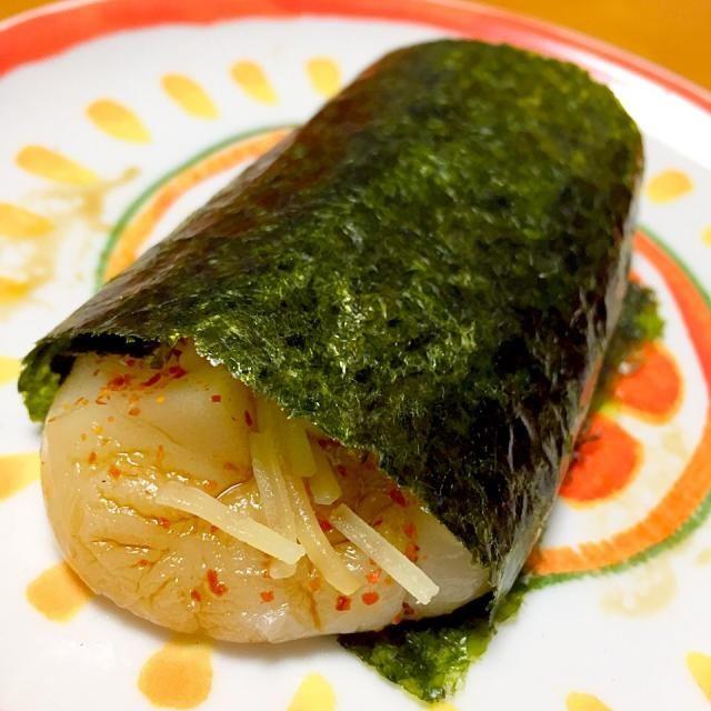 口直しに磯辺餅(^^;; 海苔に巻く時にチーズを入れると入れると美味しいですよ( *´艸`) - 40件のもぐもぐ - チーズ磯辺餅 by fighterscurry