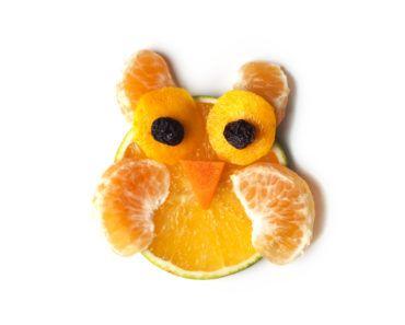 frukt, frukter, mat, fruktstund, göra mat rolig, kreativ mat, pyssel, pyssla, pysseltips, leka med mat, pyssla och lek, familj, barn, barnpyssel, pyssel för barn, familjepyssel, skola, fritids, förskola, clementin, citrus, citrusfrukt, uggla, ugglor