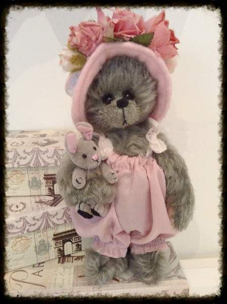 Vivian by Shaz Bears