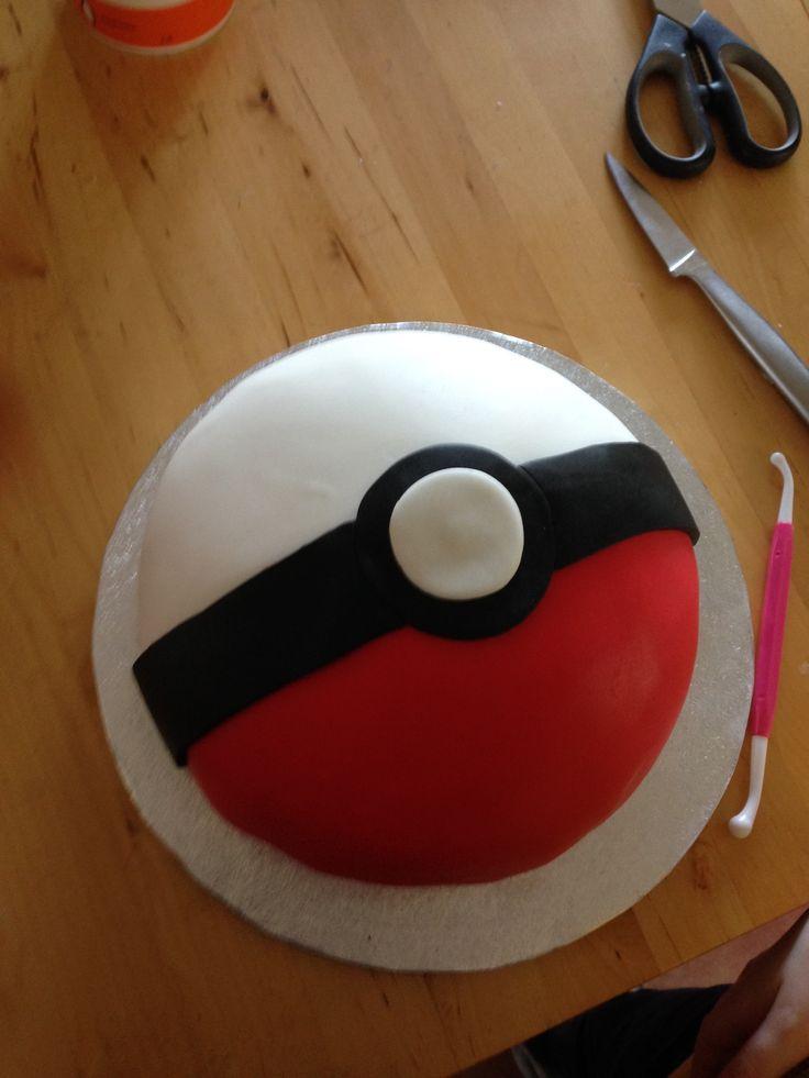 Best 25 Pokeball Cake Ideas On Pinterest Pokemon Cakes