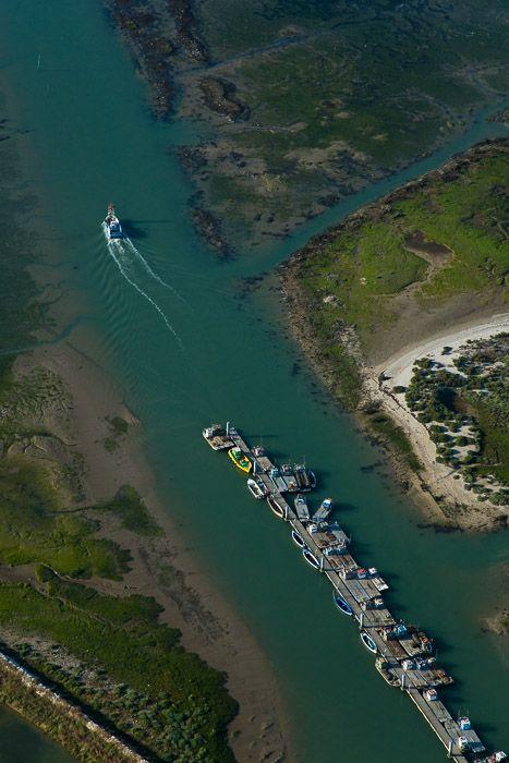 France, Poitou-Charentes, Charente-Maritime (17), Île d'Oléron, Ors, cabanes et port ostréicoles (vue aérienne)