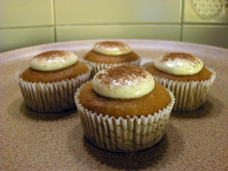 Cupcakes di zucca con cream cheese alla cannella