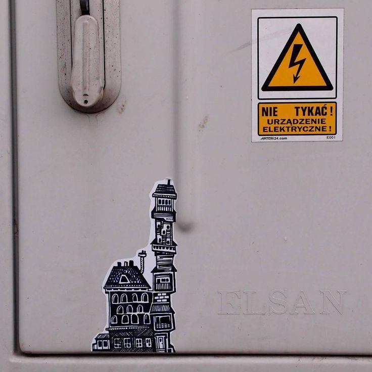 """""""Nie tykaj #house #drawn  #sketch #streetartwroclaw #stickers #naklejki  #handmade #streetartinwroclaw #streetart #vlepa…"""""""