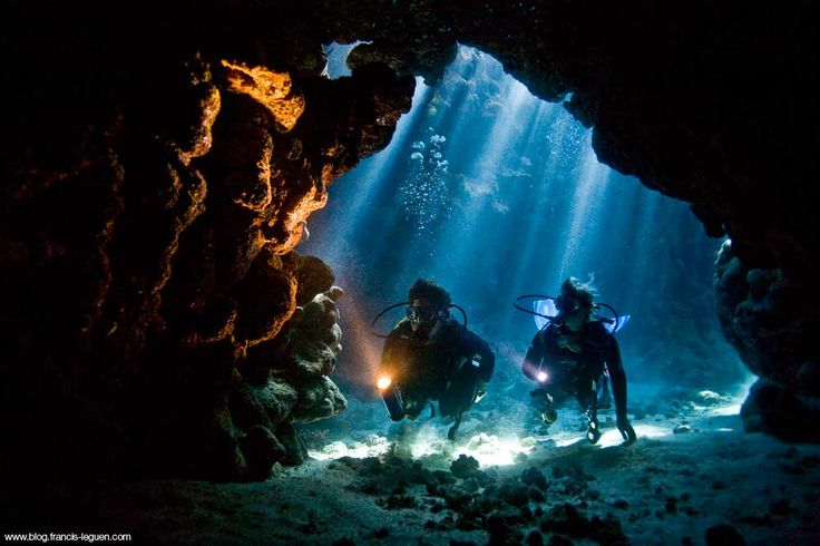 mer-rouge-grotte