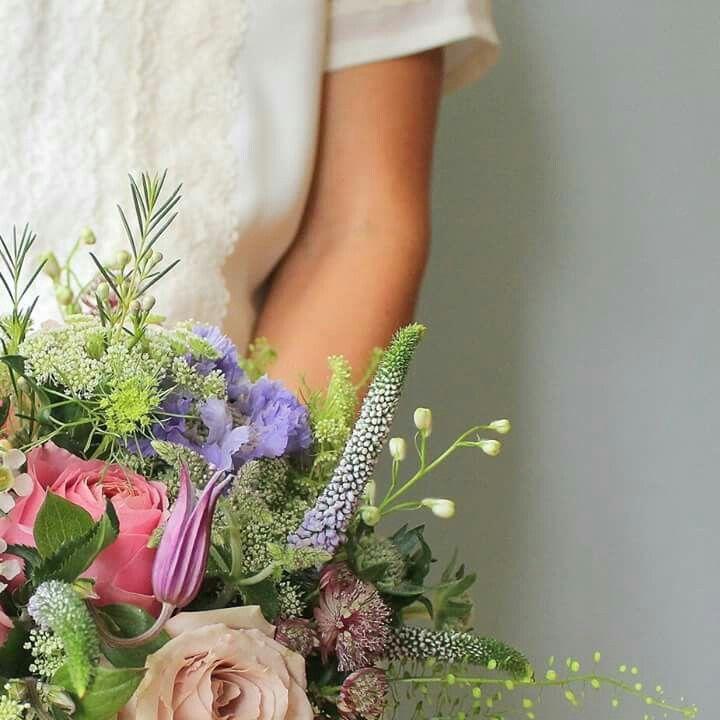 Beautiful #flowers for Alex & Joe's country house #wedding #Shotbyamy