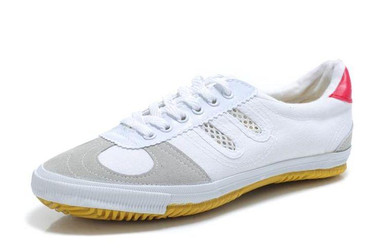 Специальные кроссовки для волейбола