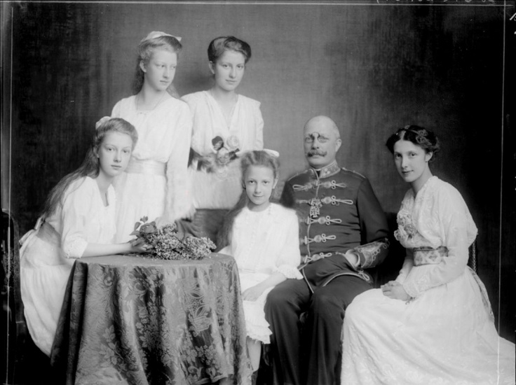 Franz Salvator and daughters